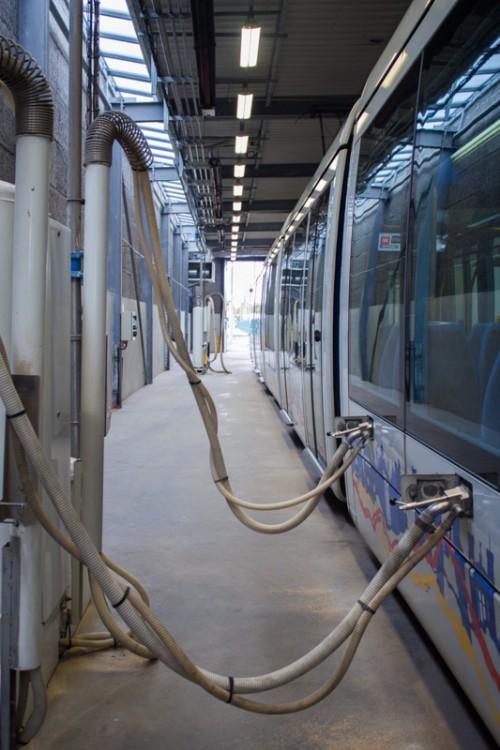 maintenance_tram-9983